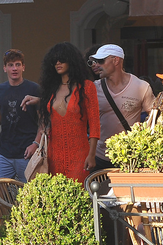 On Shopping Tour In Capri, Italy [19 July 2012]