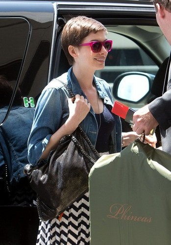 Anne Hathaway Heads to the Airport [July 31, 2012]