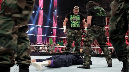 DX re-unite on Raw 1000