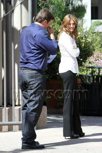 ngome Season 5 Behind-the-Scenes Set Pictures of Nathan Fillion, Stana Katic, and Jon Huertas!