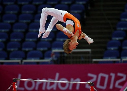 Epke Zonderland (NED)- dhahabu medalist at Horizontal Bar