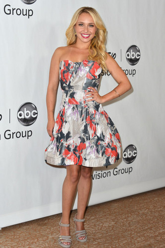 "Hayden Panettiere at the Disney ABC télévision Group's 2012 ""TCA Summer Press Tour"" on July 27, 2012"
