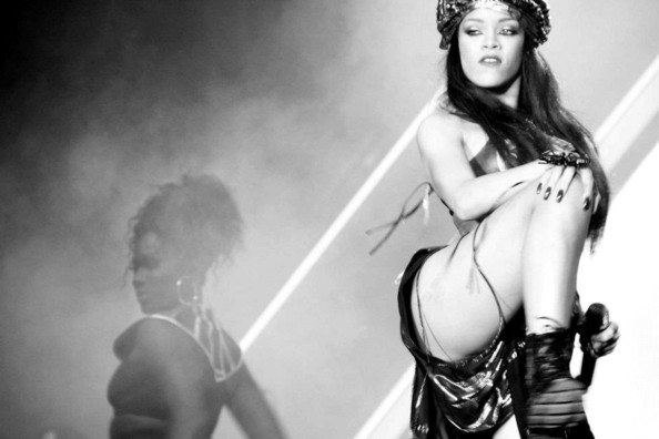 Rihanna @ PURE Nightclubs New Years Eve party in Las