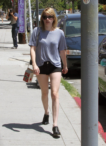 Emma Roberts and Evan Peters Go to Coffee [August 10, 2012]