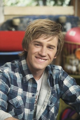 Good Luck Charlie Jason Dolley Pj Foto 31875103 Fanpop Page 2