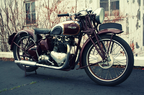 STEVE MCQUEEN'S 1938 TRIUMPH SPEED TWIN