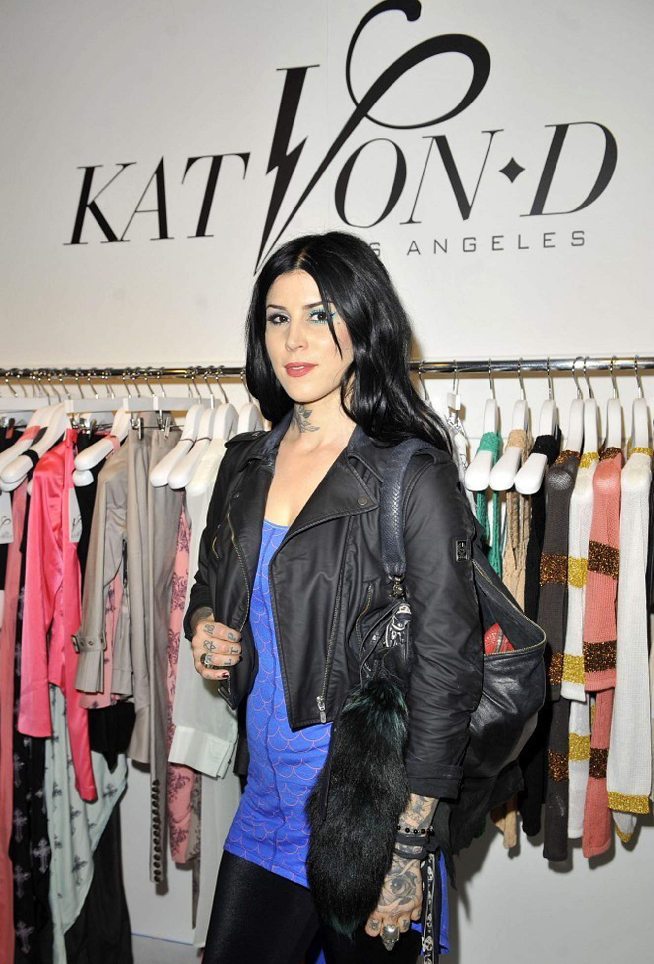 reveals her new fashion design collection in Londres